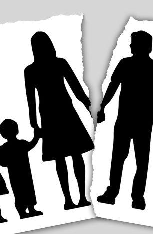 Κατά 74,2% αυξήθηκαν τα διαζύγια, σύμφωνα με την ΕΛΣΤΑΤ